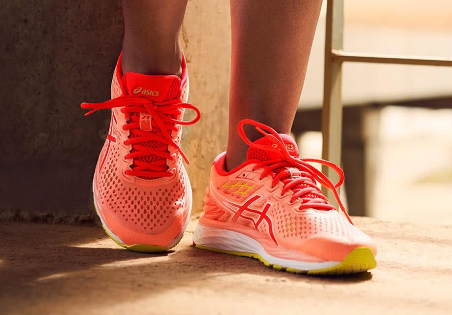 Novos sapatos de formação para mulheres